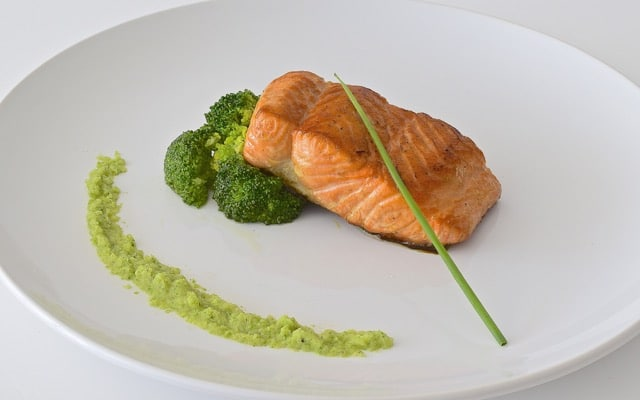 broccoli-salmone