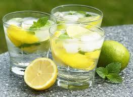 Bere acqua e limone la mattina fa dimagrire