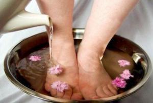 Rimedi naturali per le caviglie gonfie